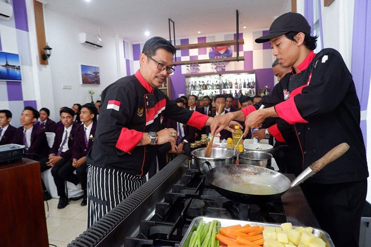 ICA Goes to School Chef Mardana